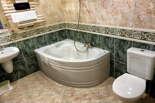 B-fürdőszoba (3)